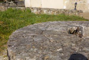 meule de pierre en granit